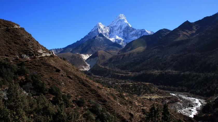 View of Mount Ama Dablam on trails to EBC