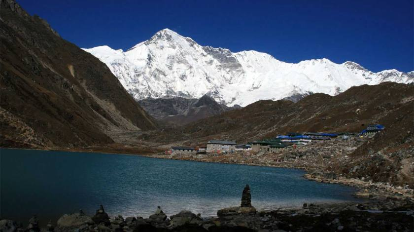 Gokyo Valley on backdrop of Mount Cho Oyu (8201m)