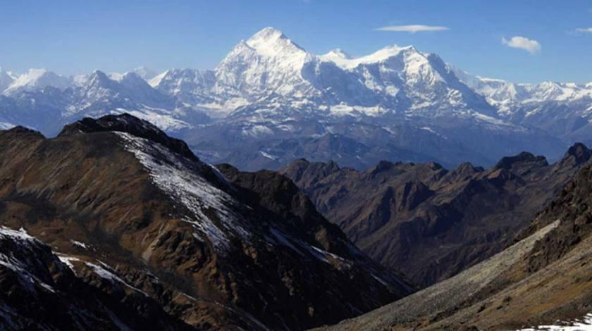 Stunning range of Mount Kanchenjunga